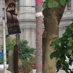 Melissa Maddonni Haims: Knit, Play, Love: Knit Grafitti – Center City, Philadelphia